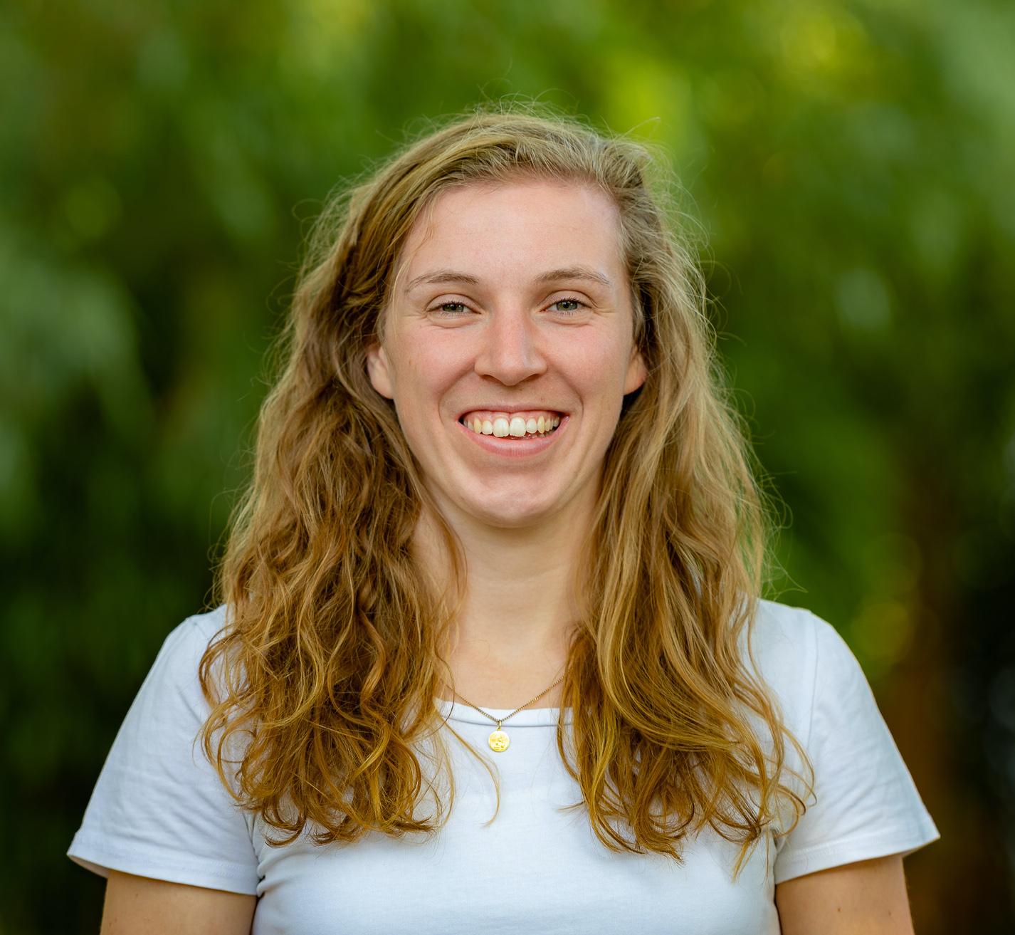 Porträt von der Osteopathin und Heilpraktikerin Nora Rabe